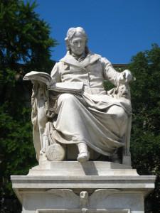 Wilhelm von Humboldt di fronte alla Humboldt University a Berlino