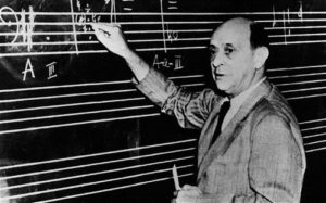 CPG5XE Schoenberg, Arnold 13.9.1874 - 13.6.1951, Austrian composer, half length, writing, at the blackboard, writing notes, male, man,