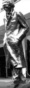 statua02