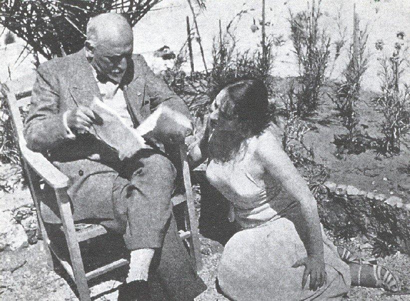 """Pirandello legge a Marta Abba """"Trovarsi"""", Lido di Camaiore, Agosto 1932"""